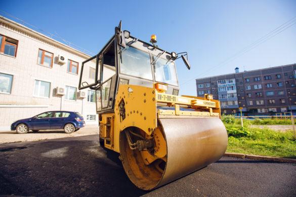 Длястроительства дорог упредприятия имеется весь комплекс современной техники, который позволяет строить дороги снуля, подключ