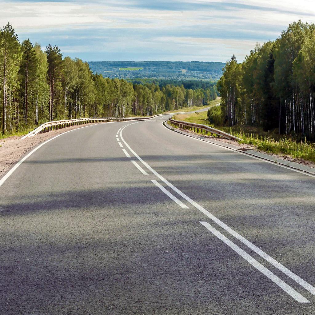 253,2км составляет протяженность сети дорог, обслуживаемой Вилегодским участком. 128,2 км изних имеют асфальтобетонное покрытие.