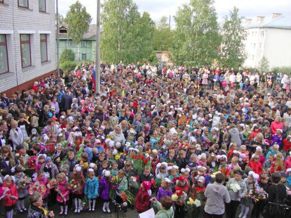 735 человек учатся вИльинской школе сегодня