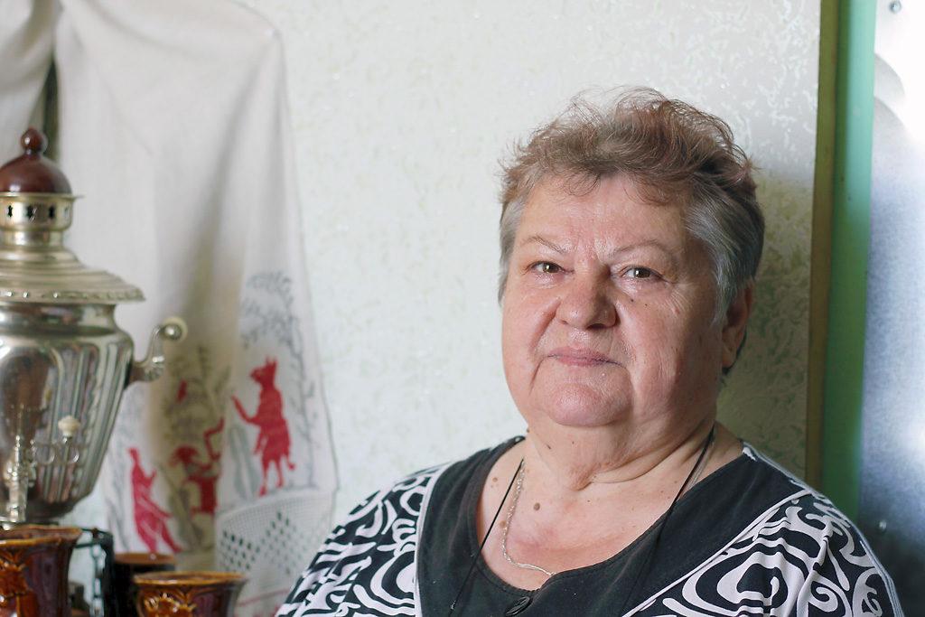 Библиотекарь Марианна Анатольевна Жук— вдохновитель проектов иактивист ТОС «Белопашино», победитель конкурса «Лучший активист ТОС» 2015года
