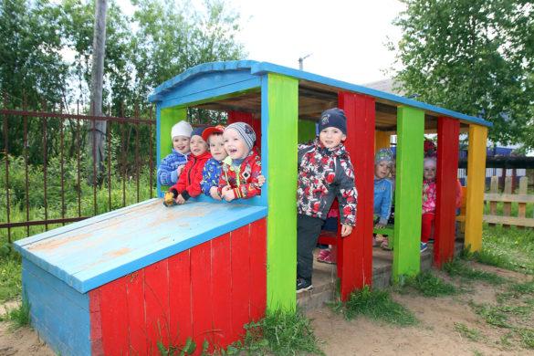 Красивые площадки детского сада—совместная заслуга ипедагогов, иродителей его маленьких воспитанников