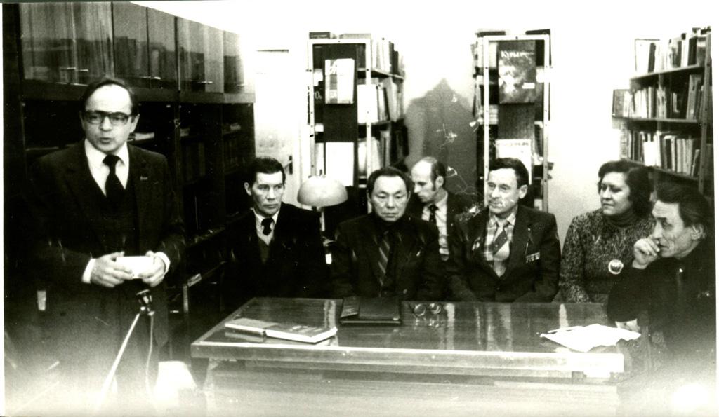 Вечер литобъединения «Заполярье» (В. Толкачев, В. Ледков, А. Коткин, А. Пичков), 1981г.
