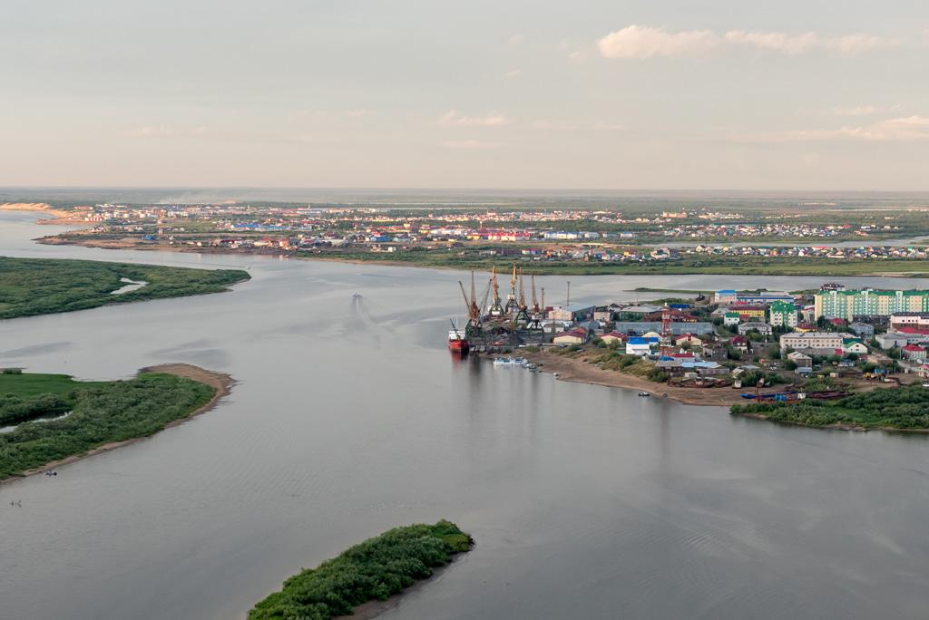 Ненецкий национальный округ образован 15 июля 1929года. Он стал первым национальным округом наКрайнем Севере России
