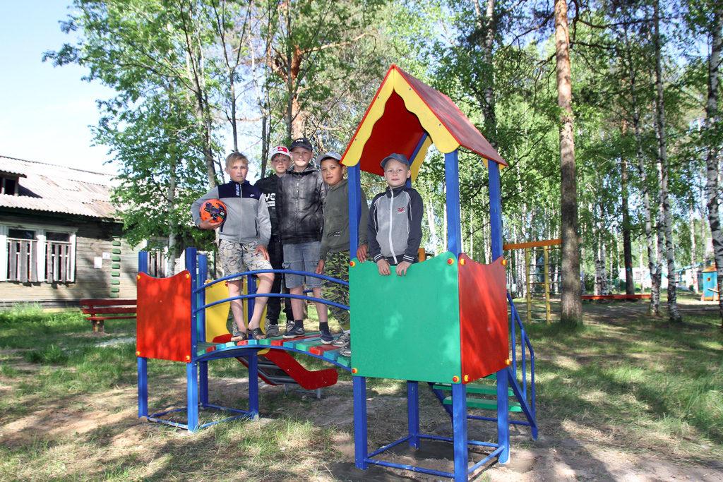 Детская площадка вФоминском— тоже проект ТОС