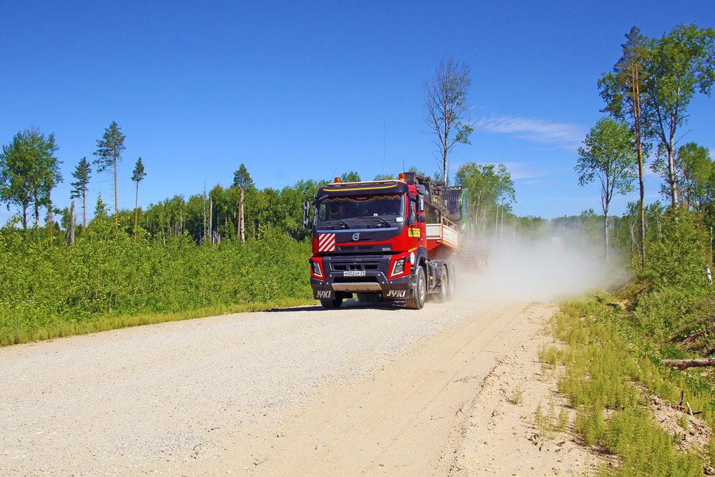 Лесные дороги требуют тщательного содержания— это залог безаварийной вывозки древесины