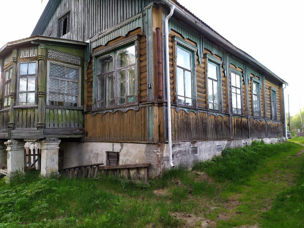 Яренск. Деревянный дом на улице Подбельского. Раньше на севере каменные дома практически не строили