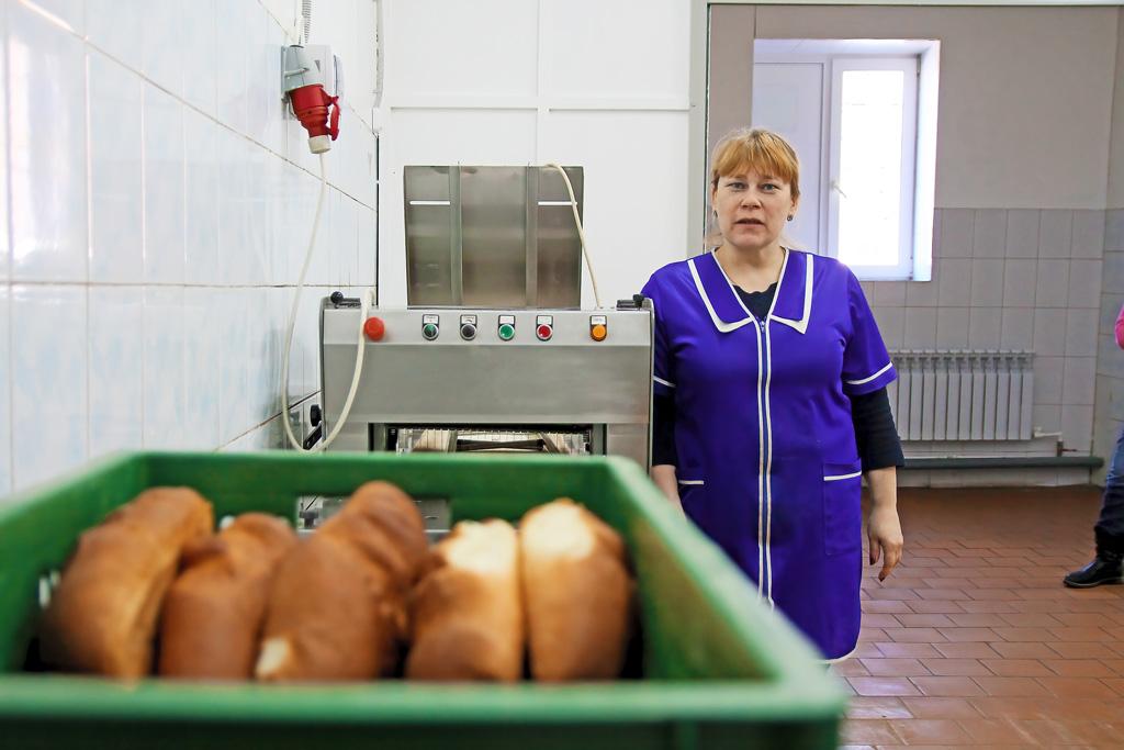 Заведующая производством Ольга Жуковская