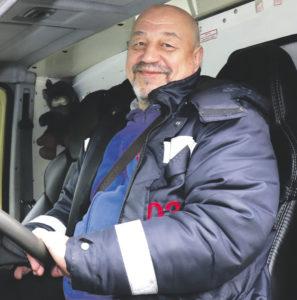 Водитель автомобиля скорой помощи Александр Михута