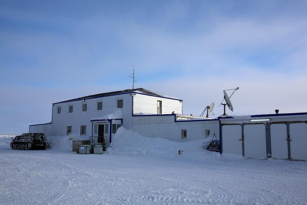 Полевая база «Омега»