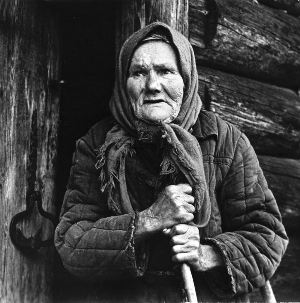 Анастасия Степановна Вороницына, героиня рассказа «Во крестьянстве выросла». 1989 год. Фото Людмилы Егоровой