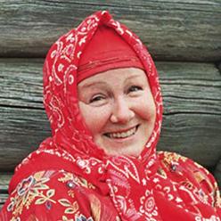 Литератор Людмила Егорова в традиционном пинежском наряде. 2006 год. Фото Бориса Егорова
