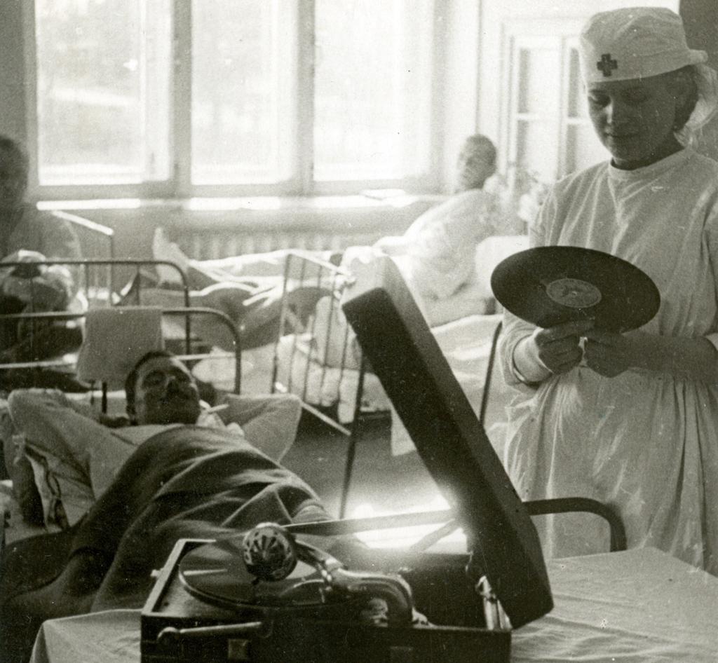 Госпиталь в здании медицинского института. Архангельск, август 1942 год