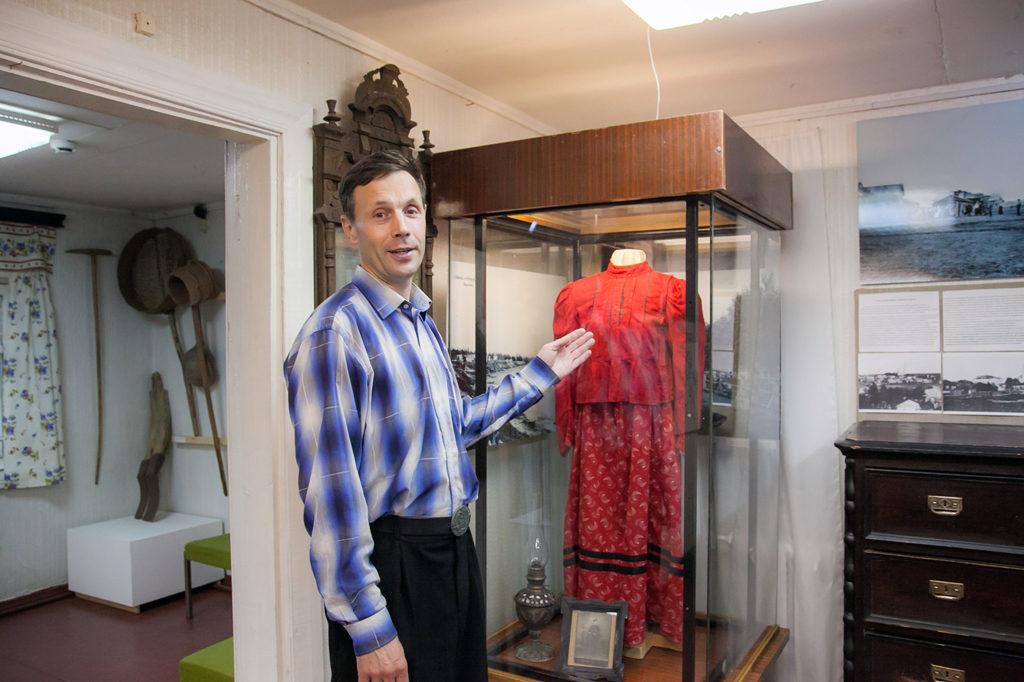 Директор музея Алексей Крысанов