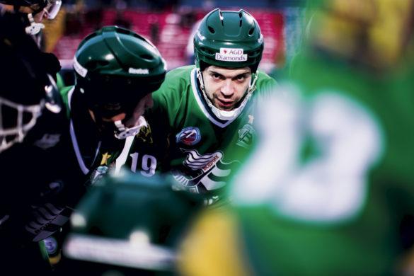 Евгений Дергаев, капитан команды «Водник», мастер спорта России международного класса, четырежды чемпион мира, признан лучшим игроком сезона-2020