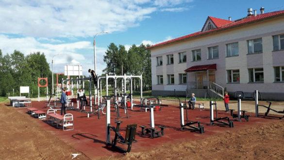 Новая спортплощадка в селе Лешуконское