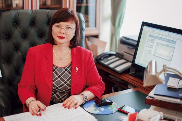 Елена Кудряшова руководит Северным (Арктическим) федеральным университетом имени М.В.Ломоносова смомента его основания в2010году