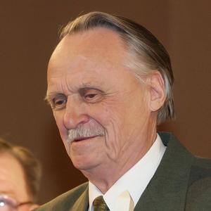 Иванов Владислав Дмитриевич, <br>директор общеобразовательной гимназии №6