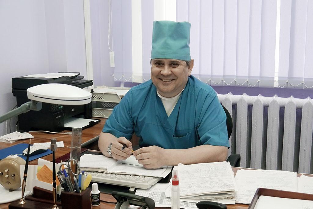 Владимир Мансуров, заведующий вторым отделением реанимации ианестезиологии: «Городу повезло, что ЦМСЧ удалось создать рентгено-сосудистое отделение»