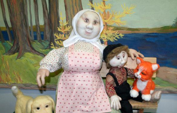 Первой колоритной героиней Абрамова, которую создала в своей излюбленной технике Александра, стала Олена Даниловна