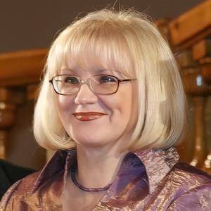 Степина Ольга Геннадьевна, <br>директор библиотеки имени Н. А. Добролюбова