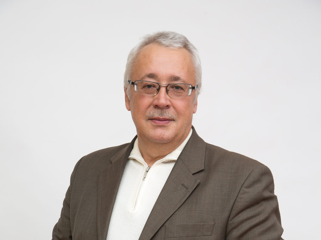 Николай Колесников, председатель кооператива «Харп»: «Что выгоднее: сжигать шкуры или с умом ими распорядиться, еще и получив прибыль? Конечно, мы выбрали второй вариант»