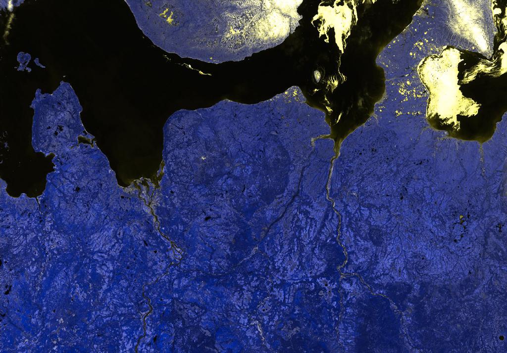 Тот же снимок, но спектральные каналы выбраны так, чтобы устранить облачность на изображении