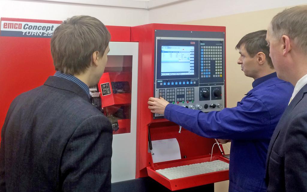 Cистема управления станками полностью компьютеризована