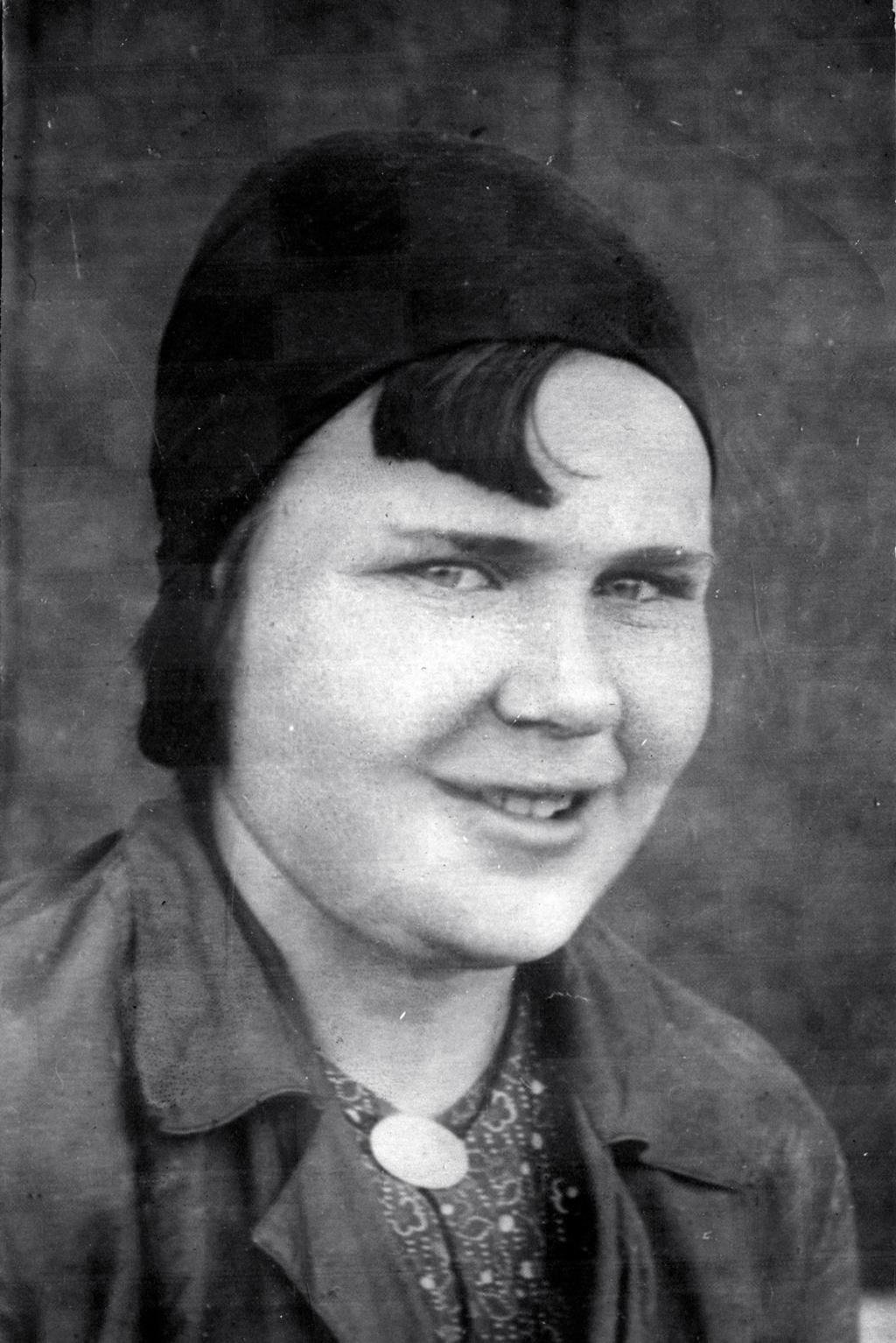 Ананьина З.Е. — доярка колхоза им.17 партсъезда ВКП (б). В1938 году получила надой наодну корову 5050 литров