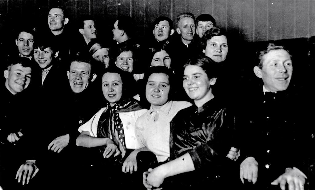 Члены Шумового оркестра службы пути станции Няндома, 1938 год