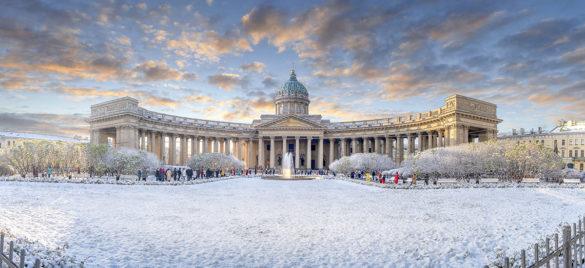 Фасад Казанского собора состороны Невского проспекта
