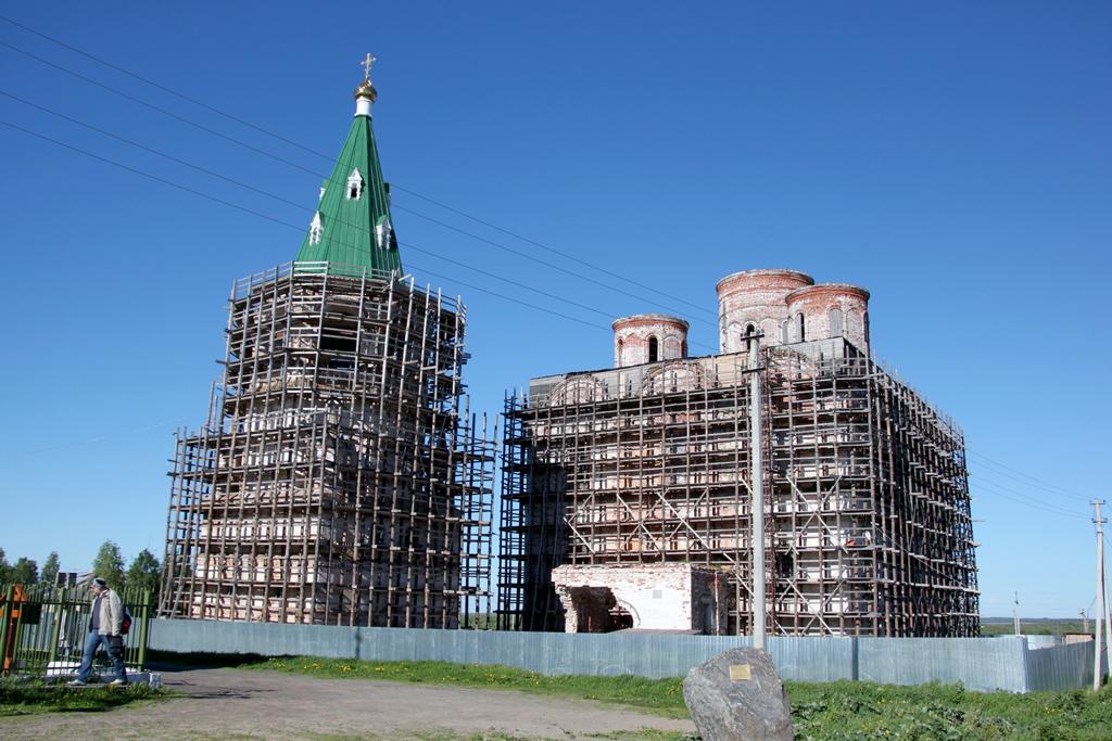 В1685 году был заложен первый камень встроительство кафедрального Спасо-Преображенского собора