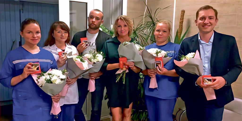 17 сотрудников Северодвинской станции скорой медицинской помощи были награждены заборьбу скоронавирусом