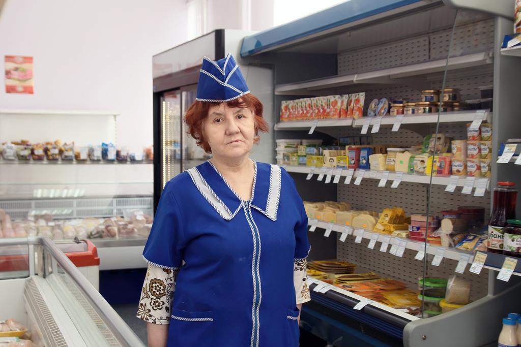Лидия Юдчиц, заведующая магазином №3 вМезени