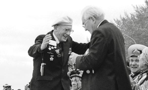 Было интересно видеть, скакой радостью бывшие воины встречались друг сдругом… Архангельск, 2001год
