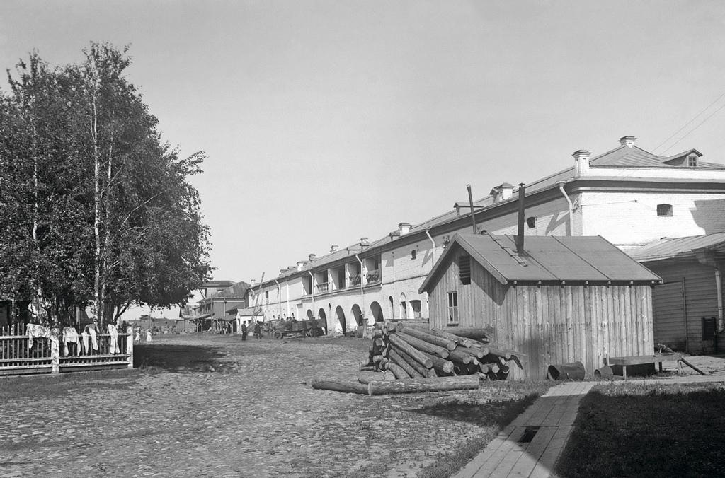 1921 год. Склады губпродкома