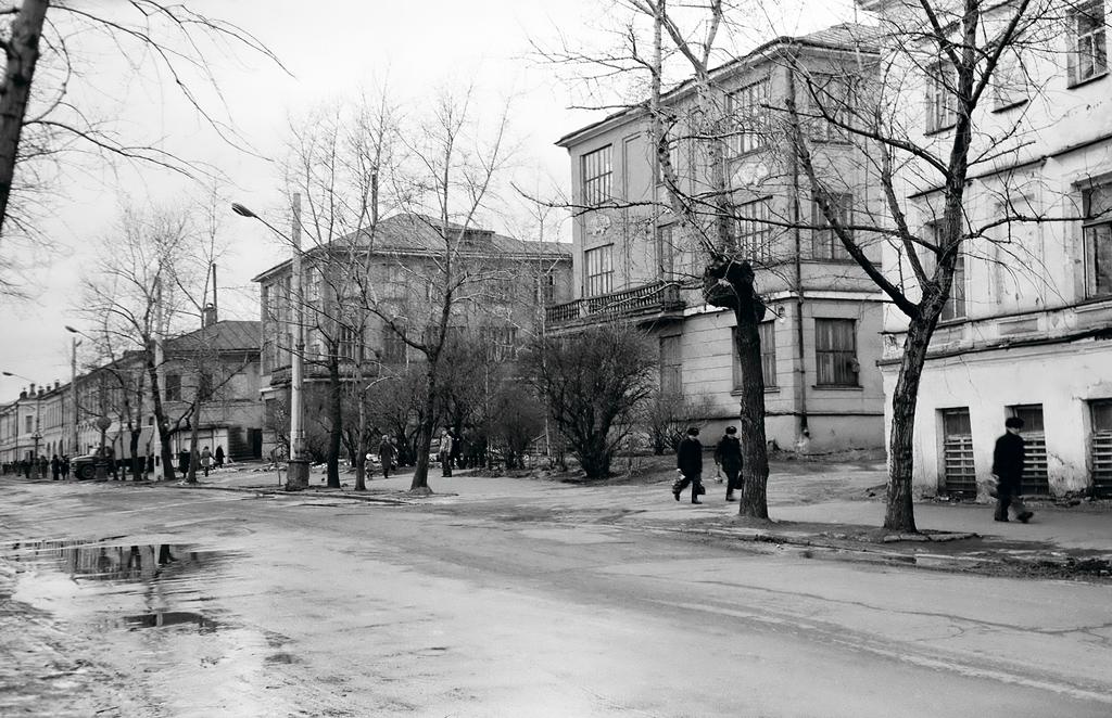 1977 год. Здание облрыболовпотребсоюза. Сегодня здесь находится новое здание областного Союза потребительских обществ